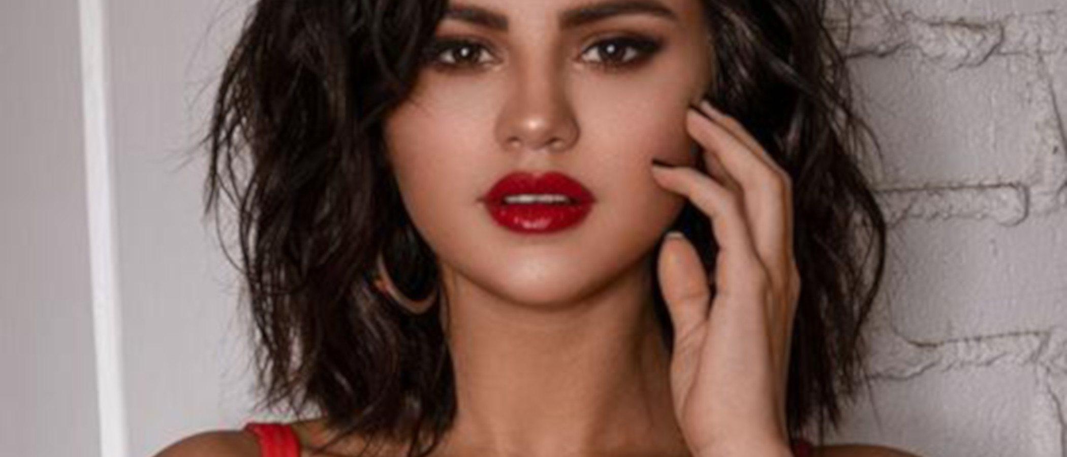 Selena Gomez diseña los bañadores perfectos en su nueva colección cápsula