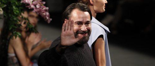 Juanjo Oliva se inspira en la SMARTgirl de Samsung para crear su nueva colección de accesorios