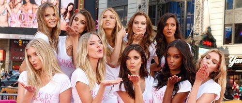 Una carta firmada por  100 modelos pide a Victoria's Secret el despido de fotógrafos con actitudes acosadoras
