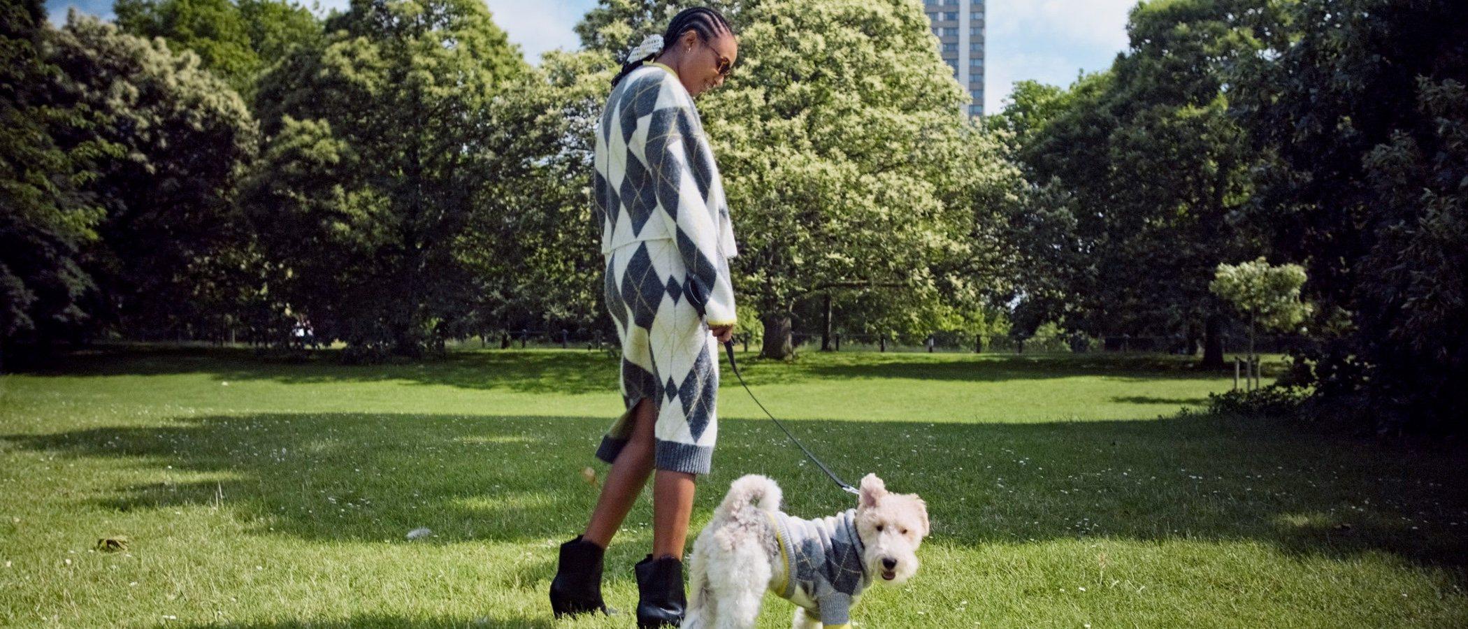 H&M ahora te permite que tu mascota y tú vayáis vestidos igual cuando salgáis de paseo