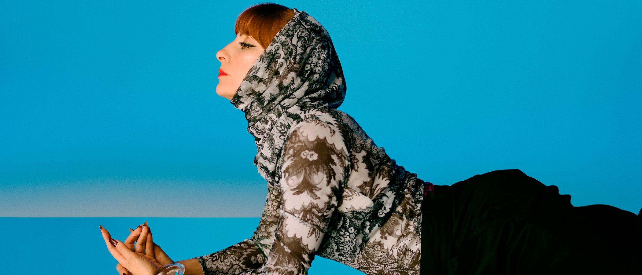Llega la octava colaboración de Desigual y Lacroix con toques muy pop y Najwa Nimri como imagen