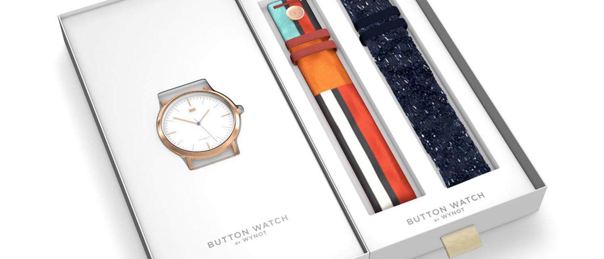 Dolores Promesas protagoniza su primera colección de relojes de la mano de Button Watch