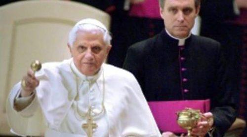 Benedicto XVI y Georg Gänswein, lujo vaticano en Madrid