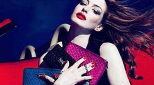Anne Hathaway protagoniza la nueva campaña de Tod's