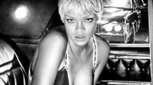 Rihanna se desnuda para Armani Underwear, sensualidad en blanco y negro