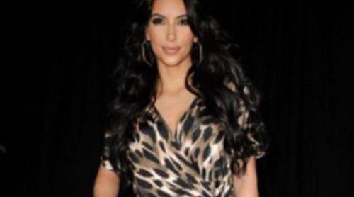 Kim y Kourtney Kardashian con mono y estampado animal, ¿a quién le queda mejor?