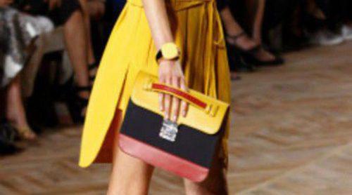 Tommy Hilfiger apuesta por el color-block y las prendas oversize para la primavera de 2012