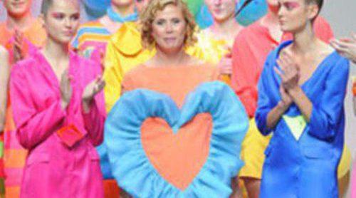 Explosión de color en el desfile de la colección primavera 2012 de Agatha Ruiz de la Prada