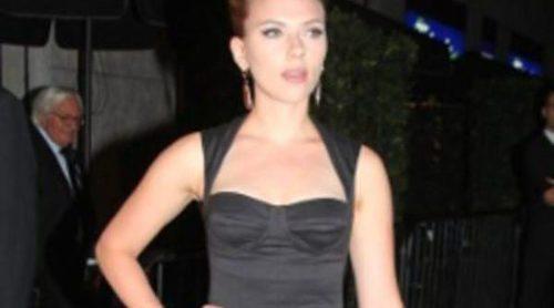 Scarlett Johansson reaparece con Dolce & Gabbana tras el escándalo de sus fotos desnuda