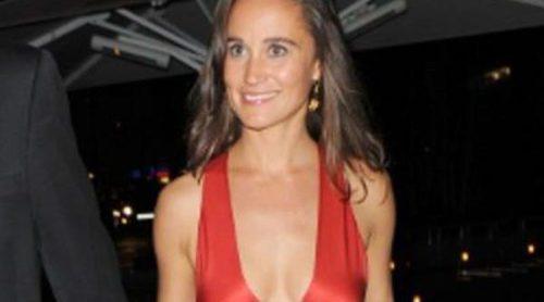 Pippa Middleton, noche de rojo satén en la gala Boodles Boxing