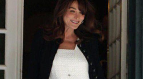 El look de Carla Bruni embarazada, a examen