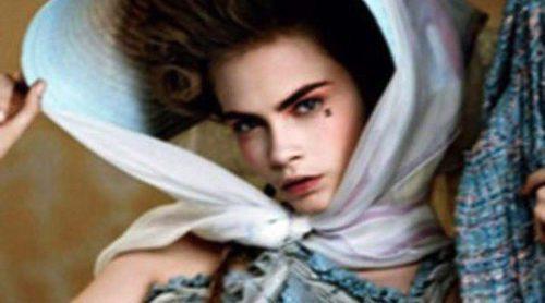 Chanel convierte a Cara Delevingne en María Antonieta