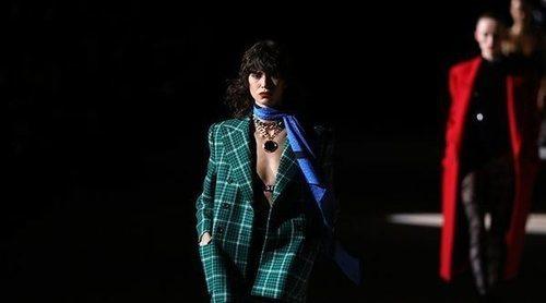 La revolución cromática de Saint Laurent conquista la Semana de la Moda de París