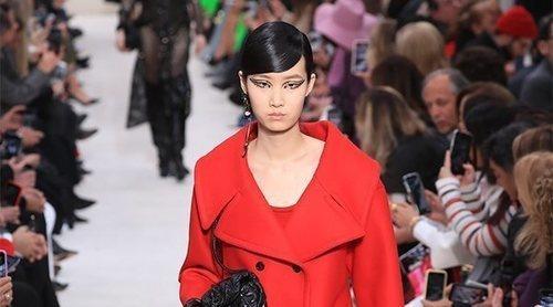 Valentino: la leyenda del rojo regresa a la Semana de la Moda de París