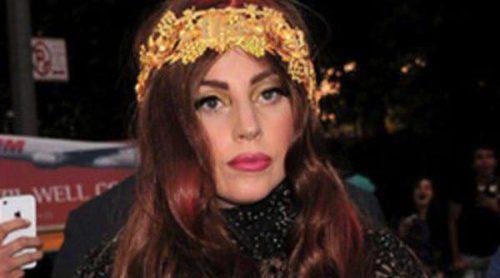 Lady Gaga subastará algunas de sus prendas y complementos