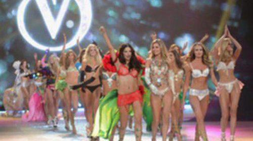 Los ángeles de Victoria's Secret arrasan sobre la pasarela del Fashion Show 2012