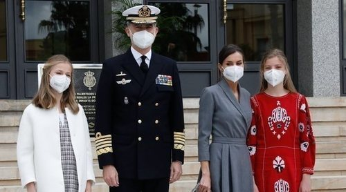 La discreción estilística de la Reina Letizia para dejar brillar a Leonor y Sofía en su último acto oficial