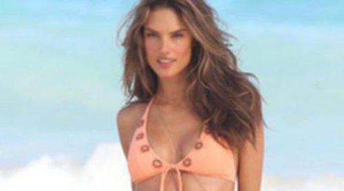 Alessandra Ambrosio también se adelanta a la primavera 2013 con Victoria's Secret