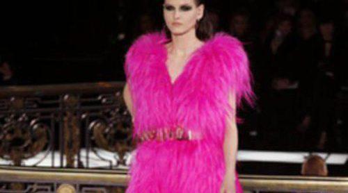 La Pasarela de la Alta Costura de París se llena de color con la primavera/verano 2013 de Versace