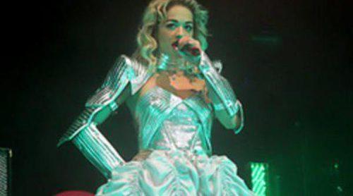 Emilio Pucci viste a Rita Ora durante la gira de promoción de 'Radioactive'