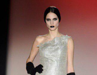 Hannibal Laguna apuesta por un otoño/invierno 2013/2014 plateado en la Madrid Fashion Week