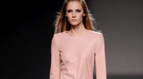 Teresa Helbig apuesta por el cuero para el otoño/invierno 2013/2014 en la Madrid Fashion Week
