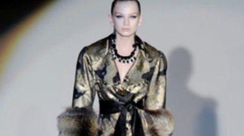 Las pieles y lo metalizado, las apuestas de Roberto Verino en Madrid Fashion Week otoño/invierno 2013/2014