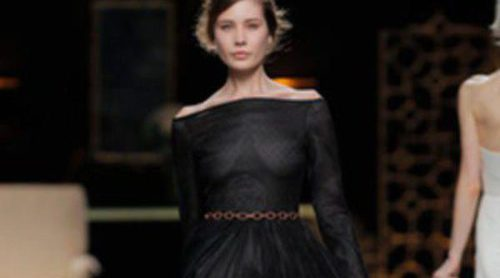 Juanjo Oliva apuesta por los vestidos para el otoño/invierno 2013/2014 en Madrid Fashion Week