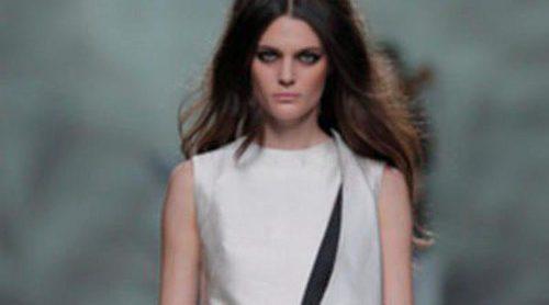 Devota & Lomba apuesta por un otoño/invierno 2013/2014 en blanco y negro en Madrid Fashion Week