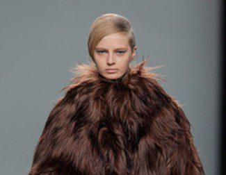 Etxeberria apuesta por las pieles y Moisés Nieto por lo retro en su debut en Madrid Fashion Week otoño/invierno 2013/2014