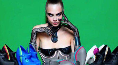 Cara Delevingne presenta junto a Karl Lagerfeld la nueva colección de Melissa