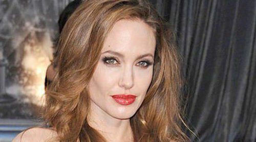 Angelina Jolie lanza una nueva línea de joyas para abrir más escuelas para niñas en Afganistán
