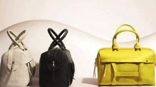 Longchamp amplia su colección primavera/verano 2013 con bolsos en 3D