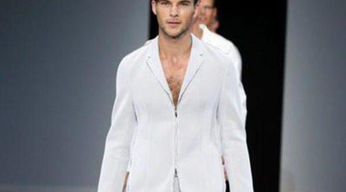 Elegancia deportiva en la colección masculina primavera/verano 2014 de Emporio Armani
