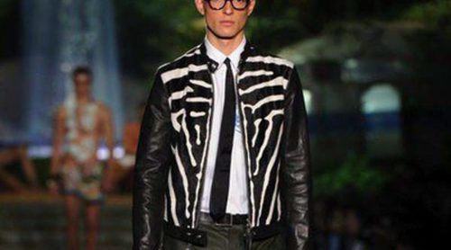 DSquared2 viste a los hombres de exploradores y naúfragos en la Semana de la Moda de Milán
