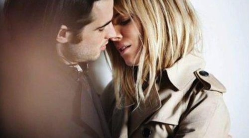 Sienna Miller y Tom Sturridge se dan un romántico beso para la campaña otoño/invierno 2013/2014 de Burberry