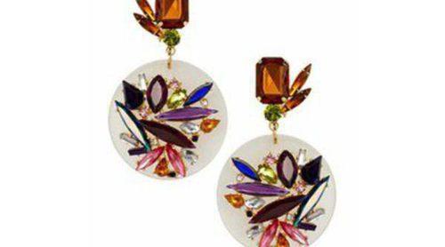 Complementa tu look con los llamativos y coloridos complementos de Asos de la colección verano 2013