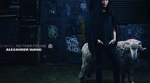 El diseñador Alexander Wang posa para una campaña en favor de la lana Merino