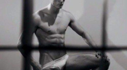 Hombres y bondage en la nueva campaña de DSquared2 Underwear