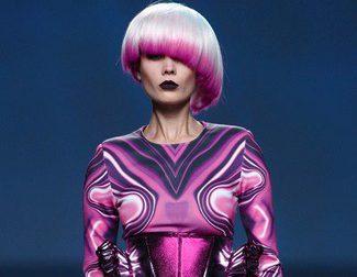 Maya Hansen sigue la tendencia galáctica y María Barros apuesta por el PVC en sus desfiles primavera/verano 2014 en Madrid Fashion Week