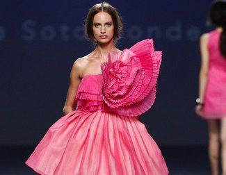 Eva Soto Conde presenta sus vestidos geométricos y Diego Estrada una línea sobria y elegante en sus desfiles EGO en la Madrid Fashion Week