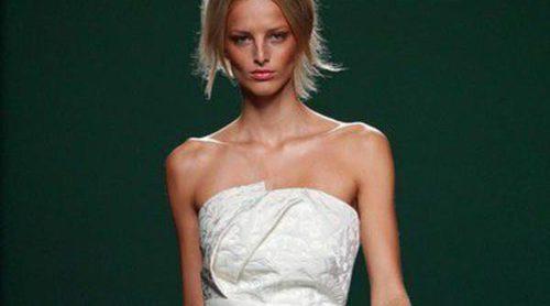 Metalizado, color blanco, cuero troquelado y crop tops: así es la primavera/verano 2014 de la Madrid Fashion Week