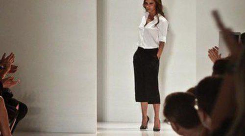Victoria Beckham pide la vuelta de los pantalones de campana con su colección otoño/invierno 2013