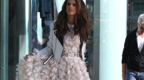 Alessandra Ambrosio, de shooting por Beverly Hills para la nueva campaña de Chanel