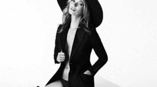 Kate Moss presenta las botas 5050 de Stuart Weitzman en un nuevo spot
