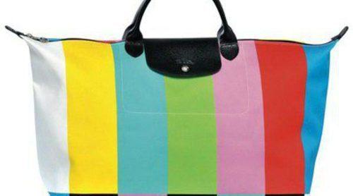 Jeremy Scott diseña para Longchamp un bolso con estampado inspirado en la carta de ajuste