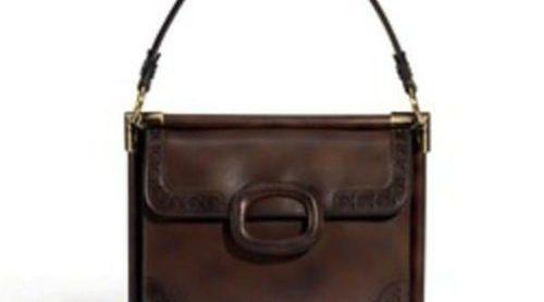 Roger Vivier se inspira en Carla Bruni para reinventar su bolso 'Miss Viv'