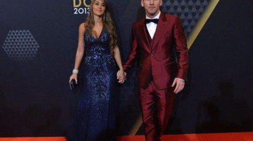 Messi vuelve a sorprender con un llamativo traje en la gala del Balón de Oro 2013