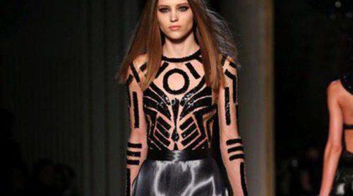 Atelier Versace presenta sus propuestas de Alta Costura en la Semana de la Moda de París