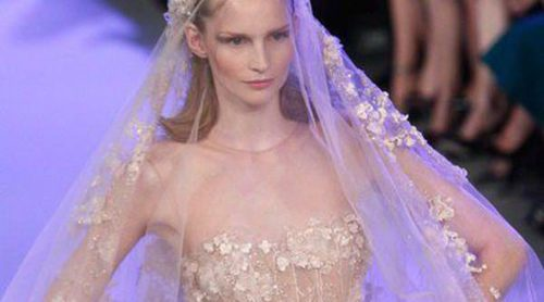Los vestidos joya de Elie Saab deslumbran en la Semana de la Alta Costura de París